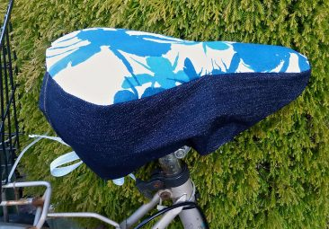 Cycle seat cover for 'Bees & Weeds'